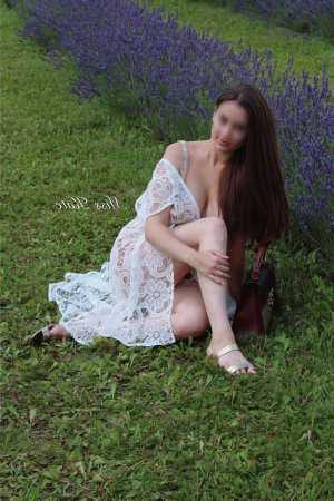 Zelina outcall escorts in Forest City
